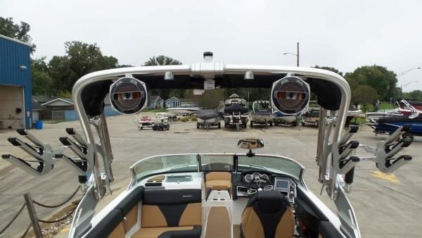 2020 Mastercraft boat for sale, model of the boat is XT23 & Image # 27 of 39
