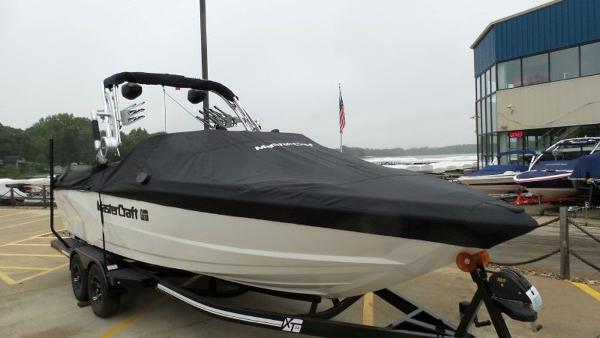 2020 Mastercraft boat for sale, model of the boat is XT23 & Image # 32 of 39