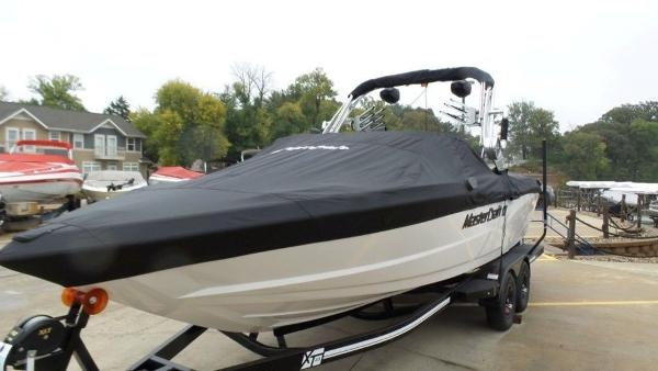 2020 Mastercraft boat for sale, model of the boat is XT23 & Image # 33 of 39