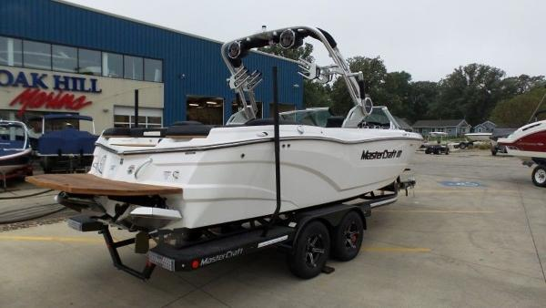 2020 Mastercraft boat for sale, model of the boat is XT23 & Image # 35 of 39