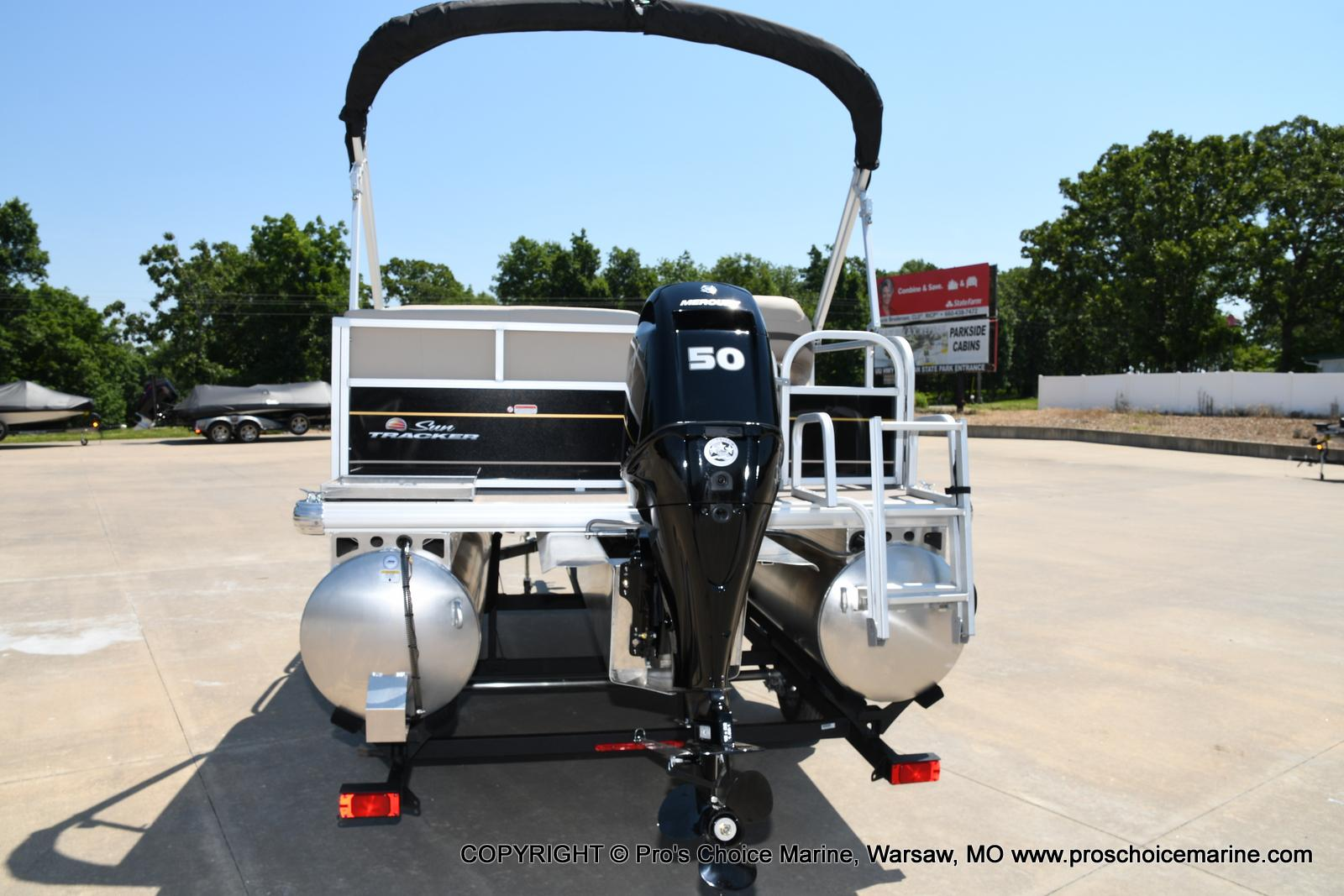 2021 Sun Tracker boat for sale, model of the boat is Bass Buggy 16 XL & Image # 13 of 43