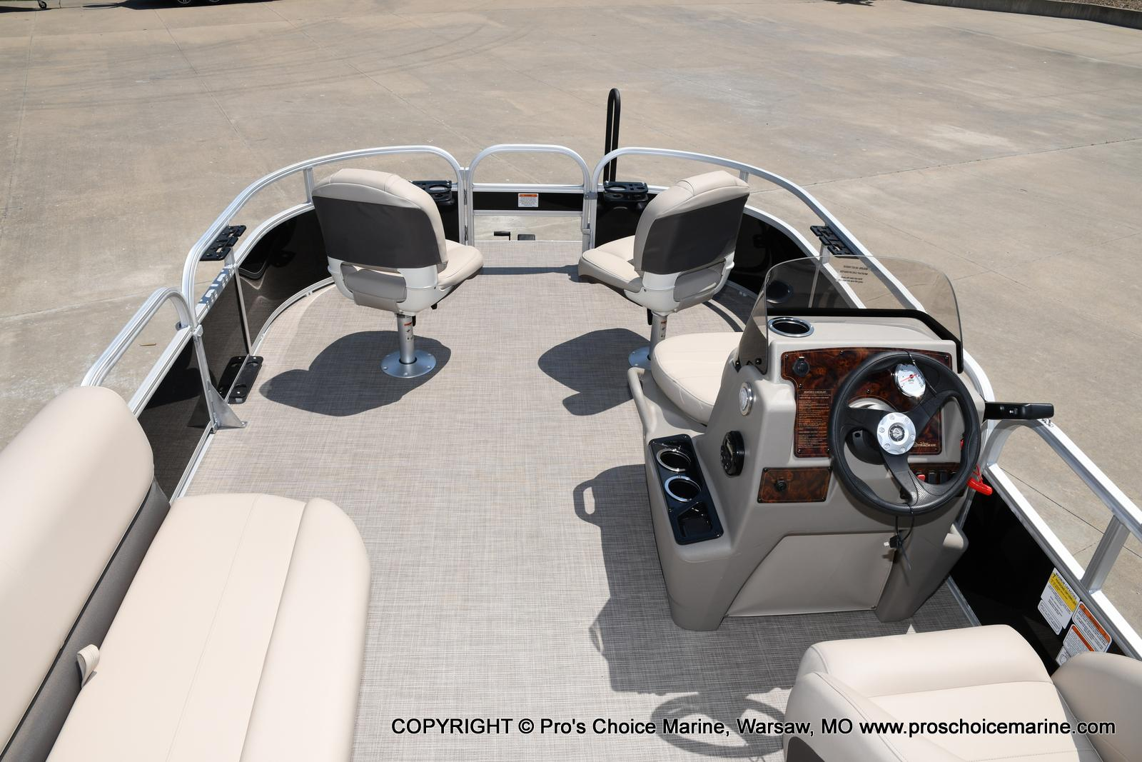 2021 Sun Tracker boat for sale, model of the boat is Bass Buggy 16 XL & Image # 32 of 43