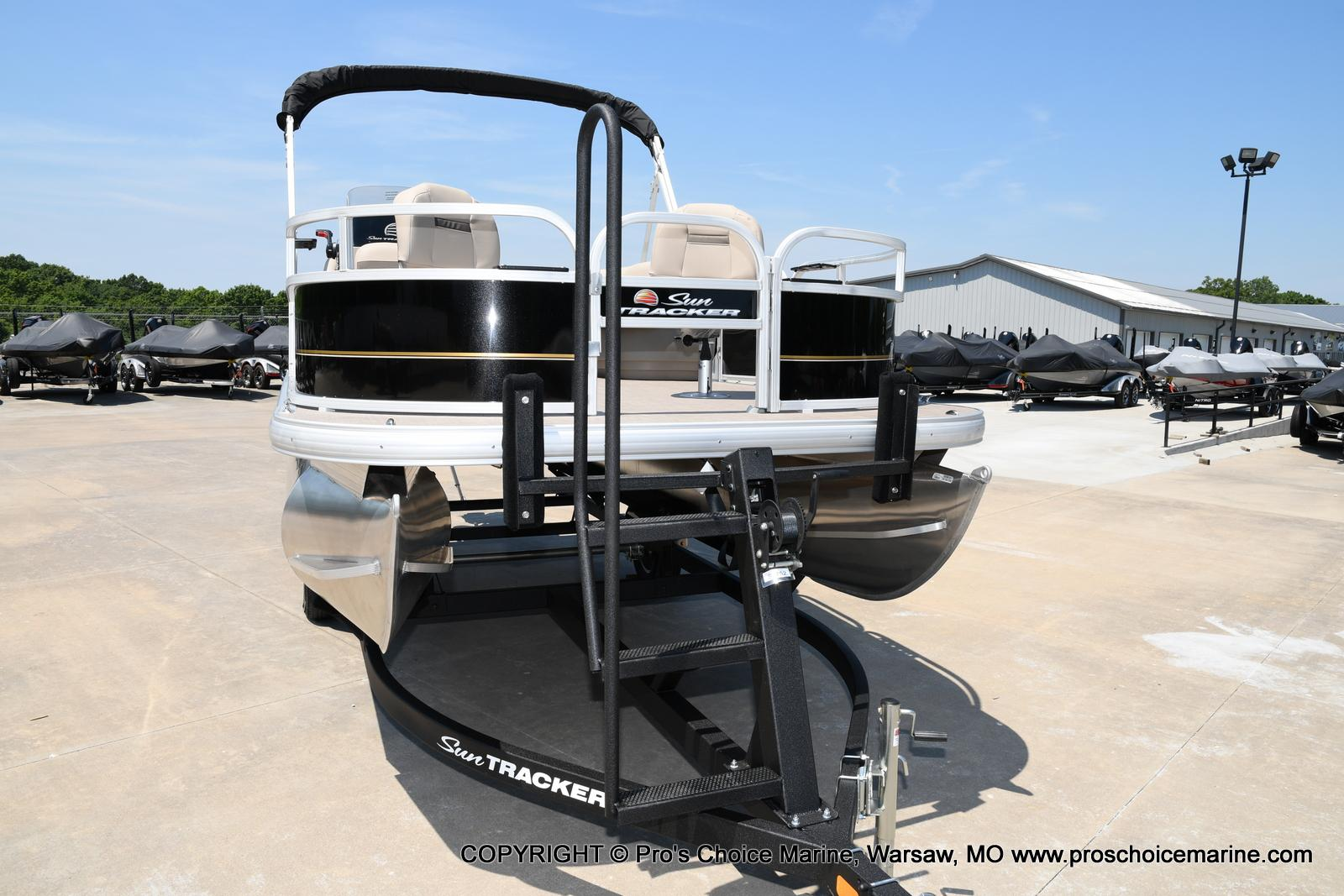 2021 Sun Tracker boat for sale, model of the boat is Bass Buggy 16 XL & Image # 34 of 43