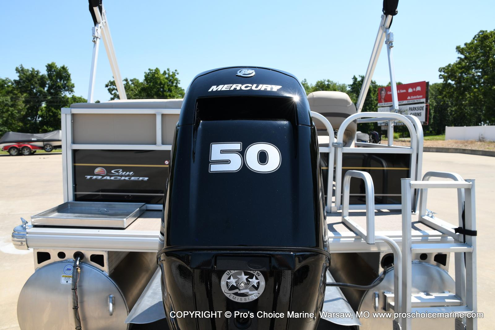 2021 Sun Tracker boat for sale, model of the boat is Bass Buggy 16 XL & Image # 39 of 43