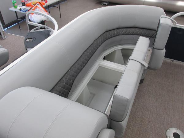 2021 Ranger Boats boat for sale, model of the boat is 220 Cruise & Image # 8 of 22