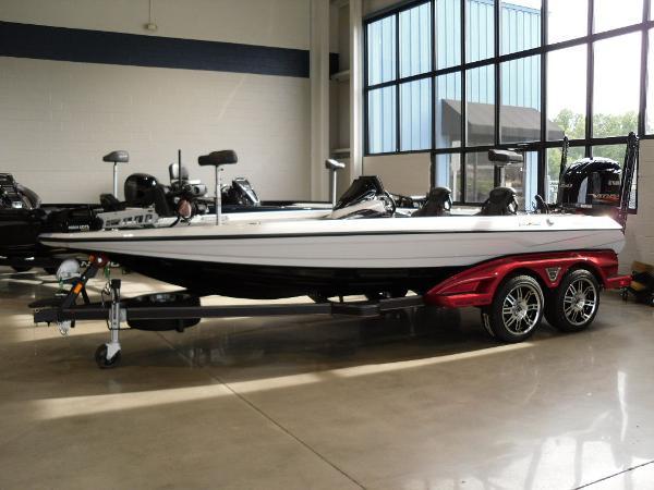 2021 Skeeter boat for sale, model of the boat is FXR20 Limited & Image # 2 of 45