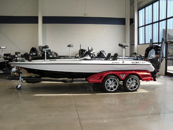 2021 Skeeter boat for sale, model of the boat is FXR20 Limited & Image # 1 of 45