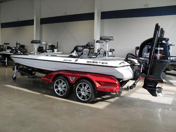 2021 Skeeter boat for sale, model of the boat is FXR20 Limited & Image # 3 of 45
