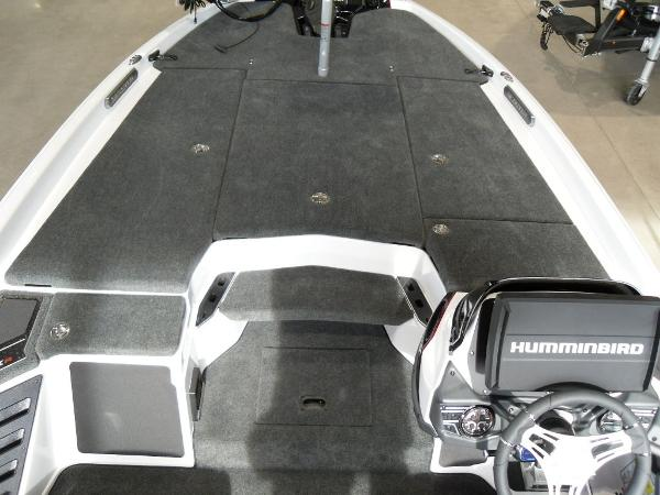 2021 Skeeter boat for sale, model of the boat is FXR20 Limited & Image # 8 of 45