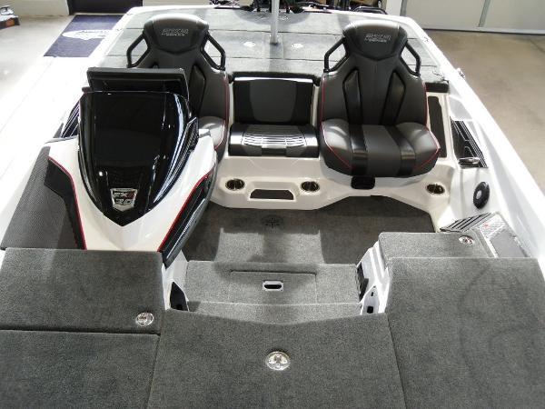 2021 Skeeter boat for sale, model of the boat is FXR20 Limited & Image # 11 of 45