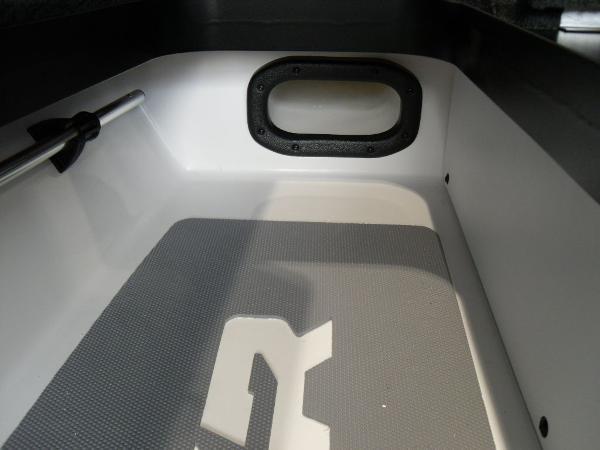 2021 Skeeter boat for sale, model of the boat is FXR20 Limited & Image # 14 of 45