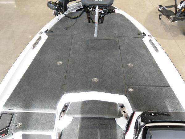 2021 Skeeter boat for sale, model of the boat is FXR20 Limited & Image # 16 of 45