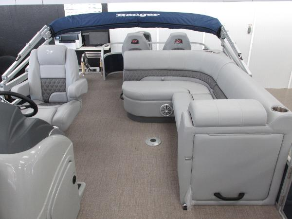 2021 Ranger Boats boat for sale, model of the boat is 220FC Fish & Cruise & Image # 8 of 23