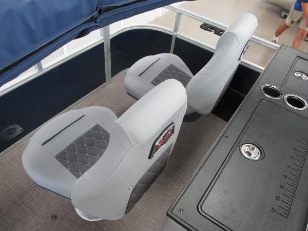 2021 Ranger Boats boat for sale, model of the boat is 220FC Fish & Cruise & Image # 9 of 23