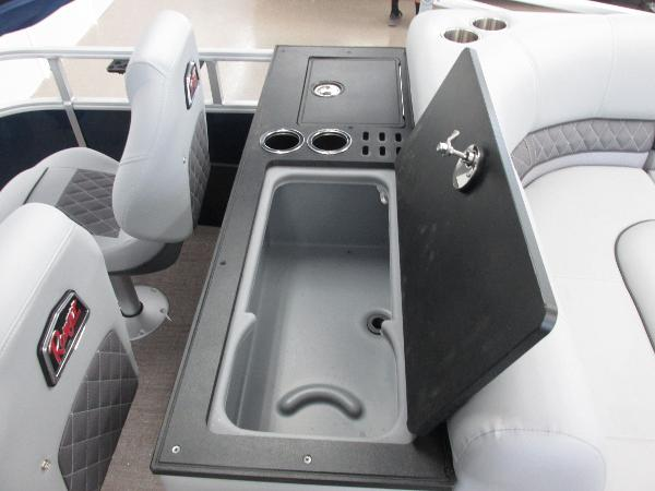 2021 Ranger Boats boat for sale, model of the boat is 220FC Fish & Cruise & Image # 10 of 23