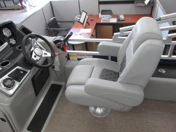 2021 Ranger Boats boat for sale, model of the boat is 220FC Fish & Cruise & Image # 16 of 23