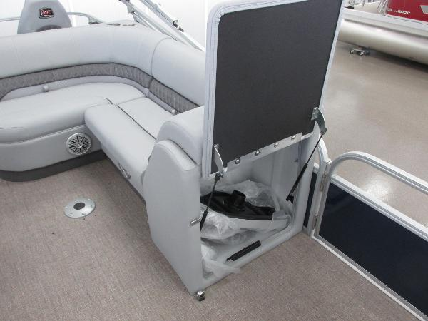 2021 Ranger Boats boat for sale, model of the boat is 220FC Fish & Cruise & Image # 21 of 23