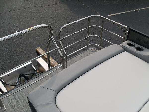 2021 Godfrey Pontoon boat for sale, model of the boat is SW 2286 SFL GTP 27 in. & Image # 9 of 30