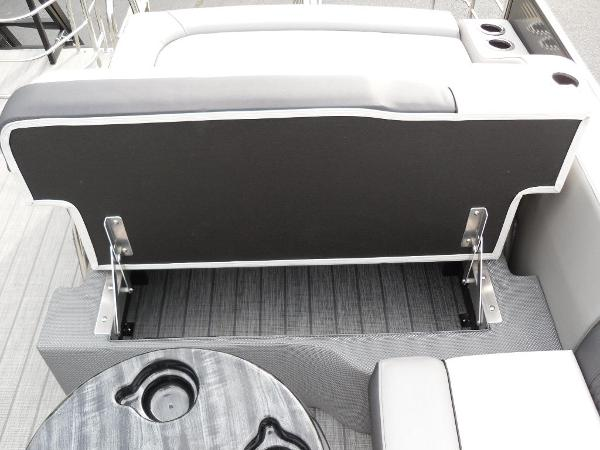 2021 Godfrey Pontoon boat for sale, model of the boat is SW 2286 SFL GTP 27 in. & Image # 10 of 30