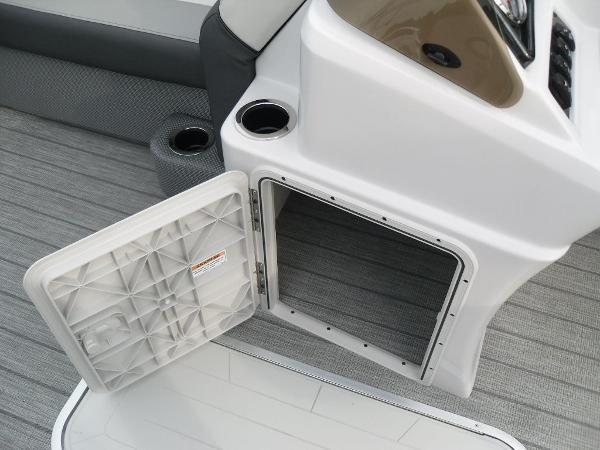 2021 Godfrey Pontoon boat for sale, model of the boat is SW 2286 SFL GTP 27 in. & Image # 11 of 30