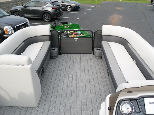 2021 Godfrey Pontoon boat for sale, model of the boat is SW 2286 SFL GTP 27 in. & Image # 15 of 30