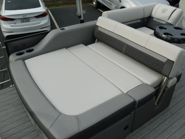 2021 Godfrey Pontoon boat for sale, model of the boat is SW 2286 SFL GTP 27 in. & Image # 21 of 30