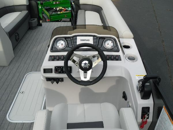 2021 Godfrey Pontoon boat for sale, model of the boat is SW 2286 SFL GTP 27 in. & Image # 23 of 30