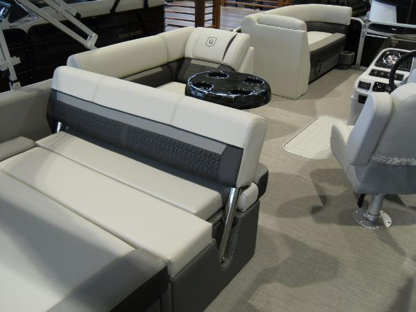 2021 Godfrey Pontoon boat for sale, model of the boat is SW 2286 SFL Sport Tube 27 in. & Image # 15 of 24