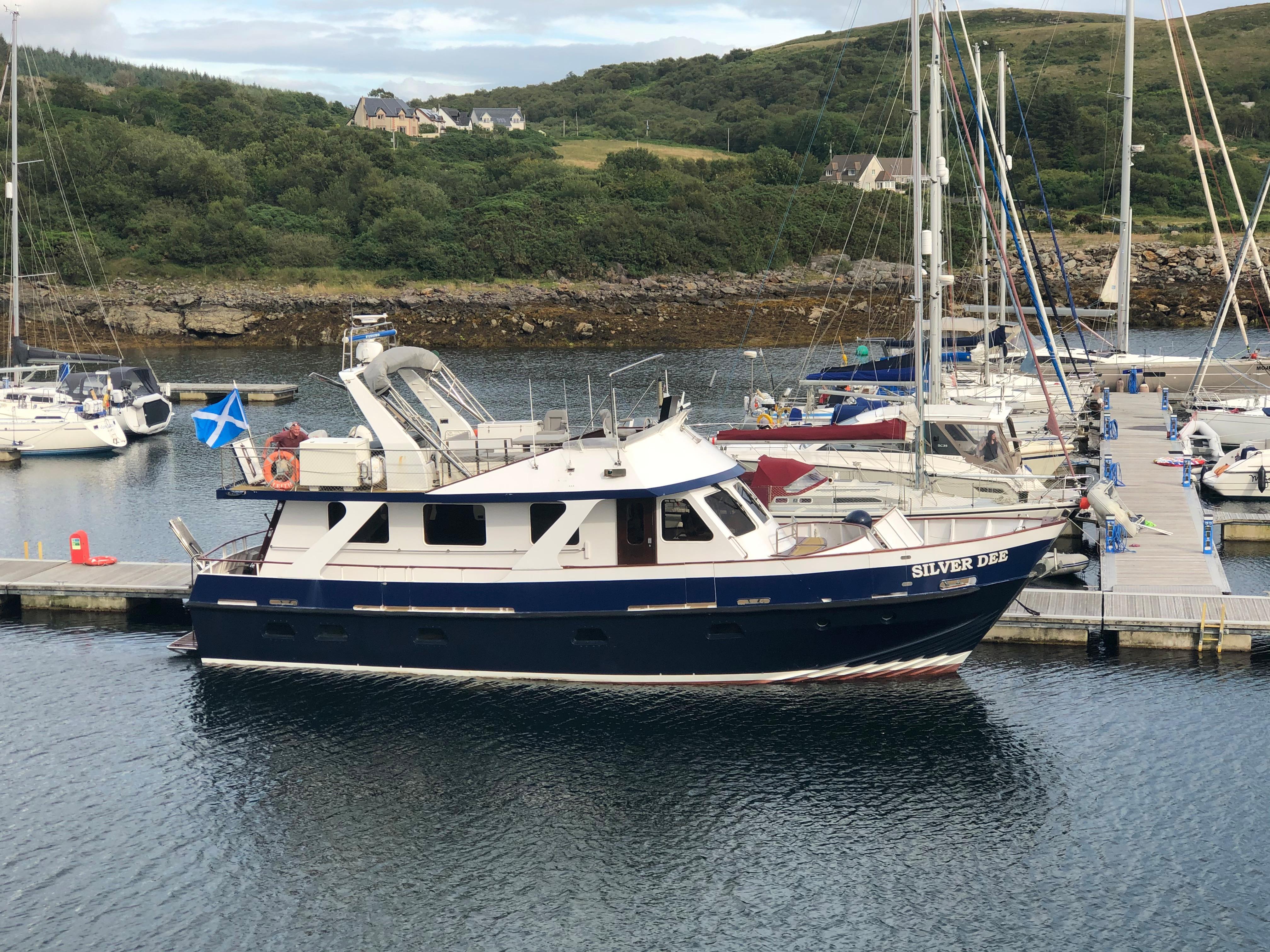 Motor Yacht Arun 52