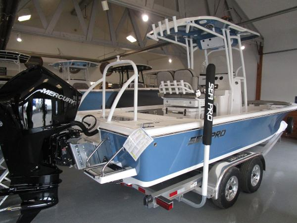 2021 Sea Pro boat for sale, model of the boat is 248 DLX BAY & Image # 2 of 34