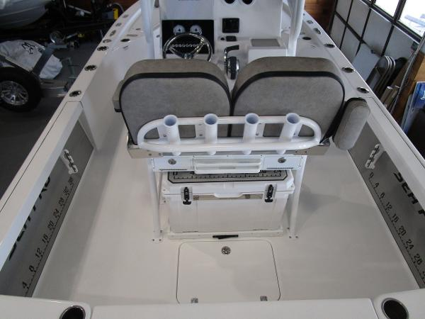 2021 Sea Pro boat for sale, model of the boat is 248 DLX BAY & Image # 7 of 34