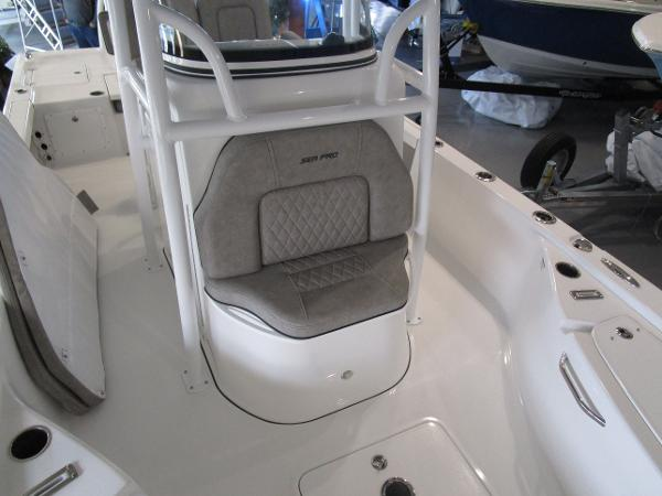 2021 Sea Pro boat for sale, model of the boat is 248 DLX BAY & Image # 31 of 34