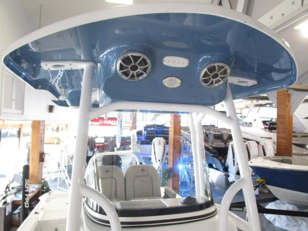 2021 Sea Pro boat for sale, model of the boat is 248 DLX BAY & Image # 32 of 34