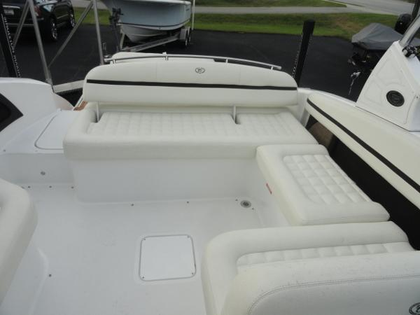 2018 Cobalt boat for sale, model of the boat is R5 & Image # 14 of 26