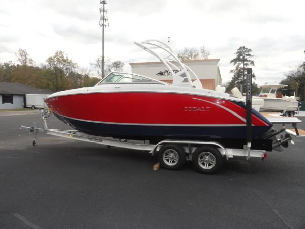 2018 Cobalt boat for sale, model of the boat is R5 & Image # 3 of 26
