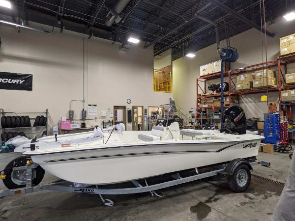 2021 Mako boat for sale, model of the boat is Pro Skiff 17 CC & Image # 1 of 51