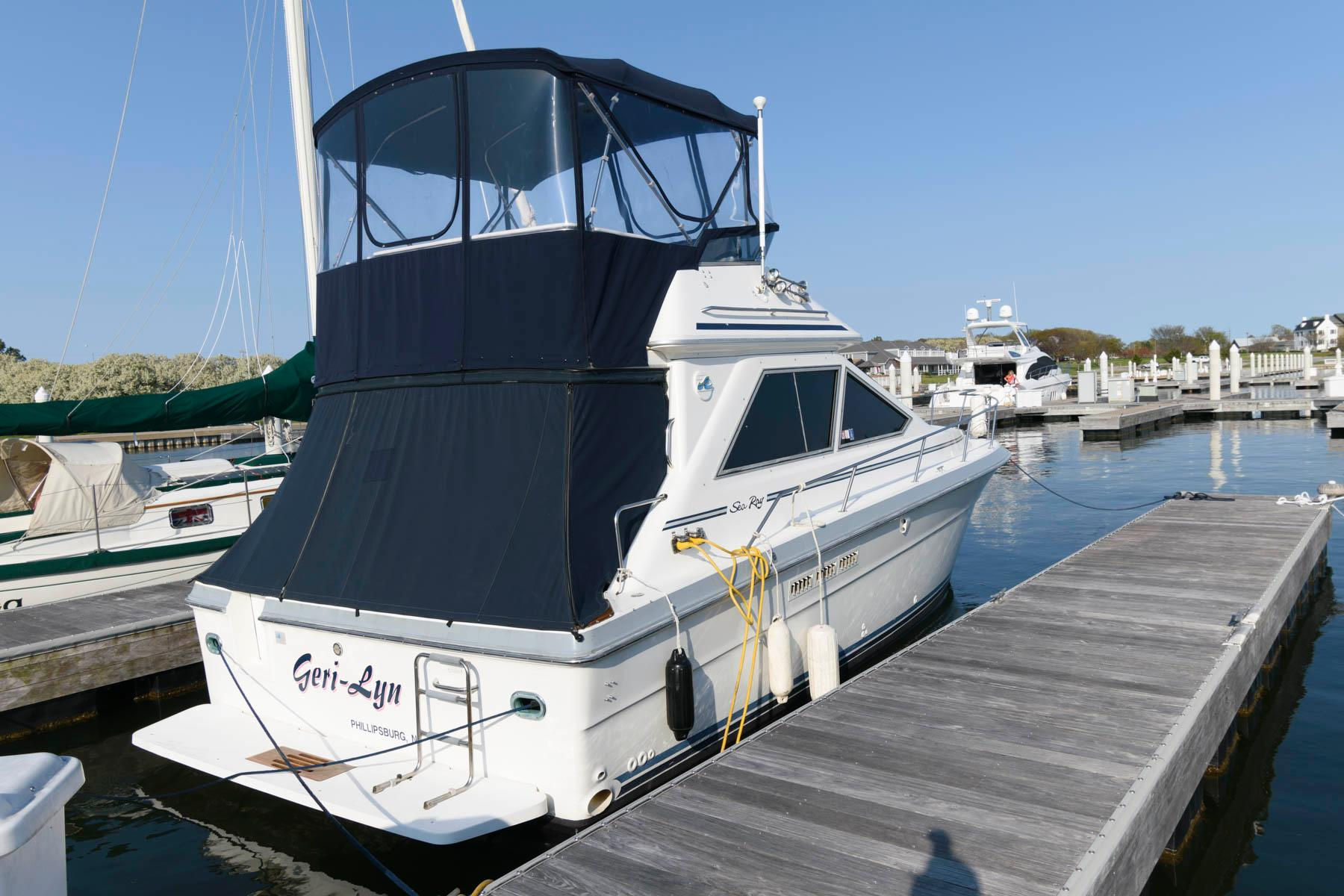 M 5919 DD Knot 10 Yacht Sales