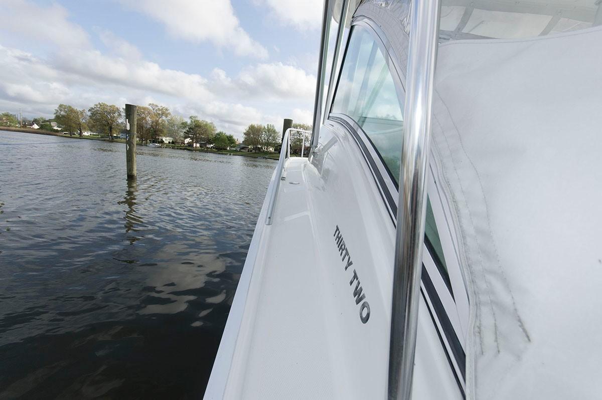 F 5548 KB Knot 10 Yacht Sales