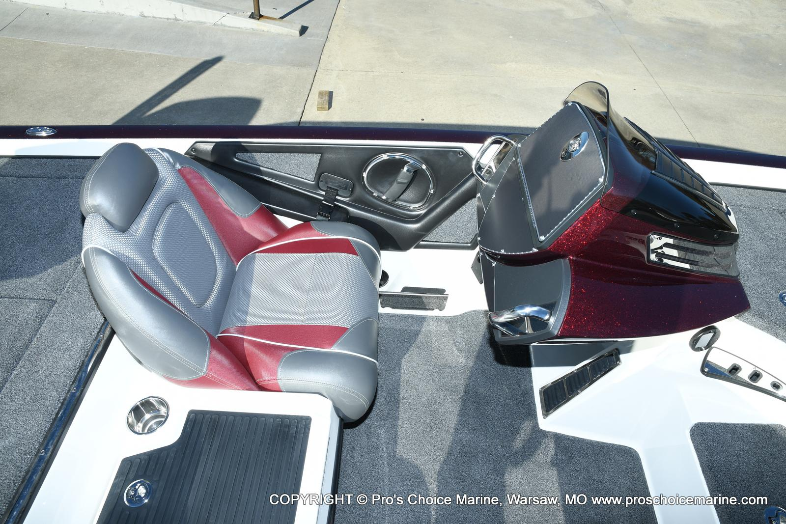 2021 Ranger Boats boat for sale, model of the boat is Z521C Ranger Cup Equipped DUAL CONSOLE & Image # 34 of 50