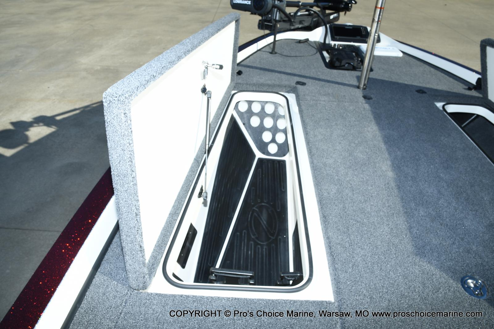 2021 Ranger Boats boat for sale, model of the boat is Z521C Ranger Cup Equipped DUAL CONSOLE & Image # 12 of 50