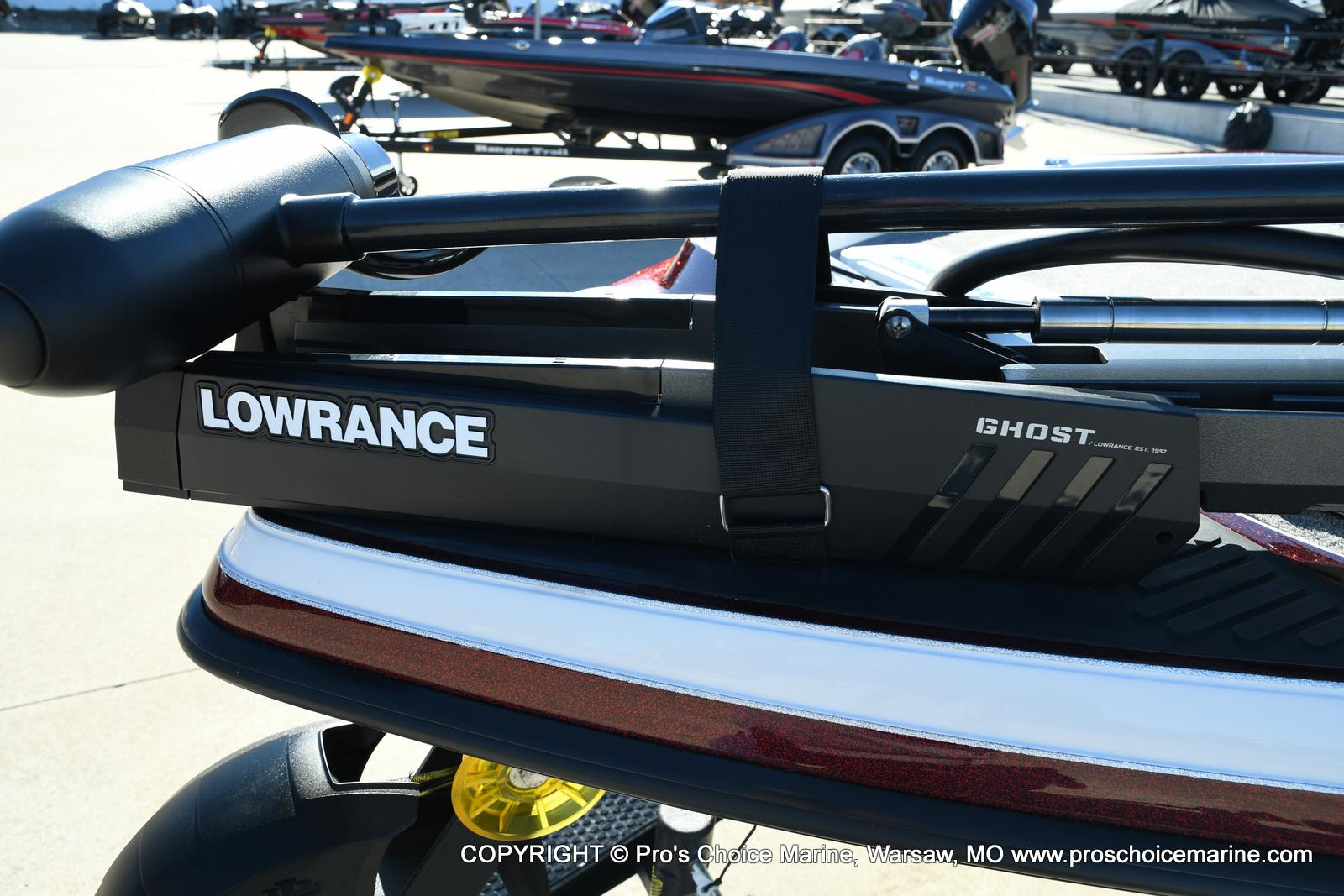 2021 Ranger Boats boat for sale, model of the boat is Z521C Ranger Cup Equipped DUAL CONSOLE & Image # 2 of 50