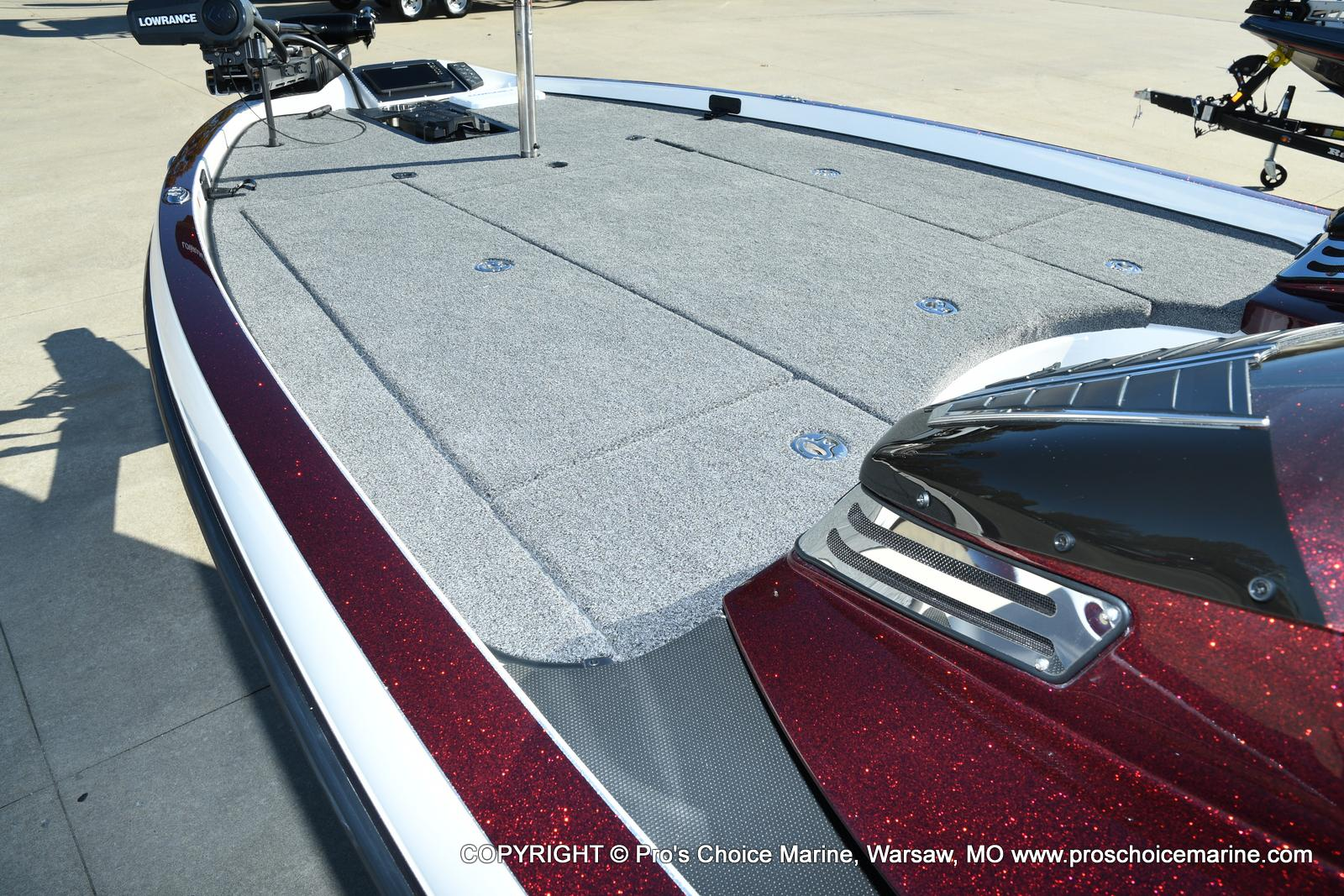 2021 Ranger Boats boat for sale, model of the boat is Z521C Ranger Cup Equipped DUAL CONSOLE & Image # 4 of 50