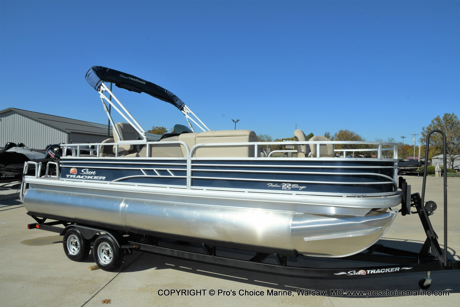 2021 Sun Tracker boat for sale, model of the boat is FISHIN BARGE 22 DLX & Image # 48 of 50