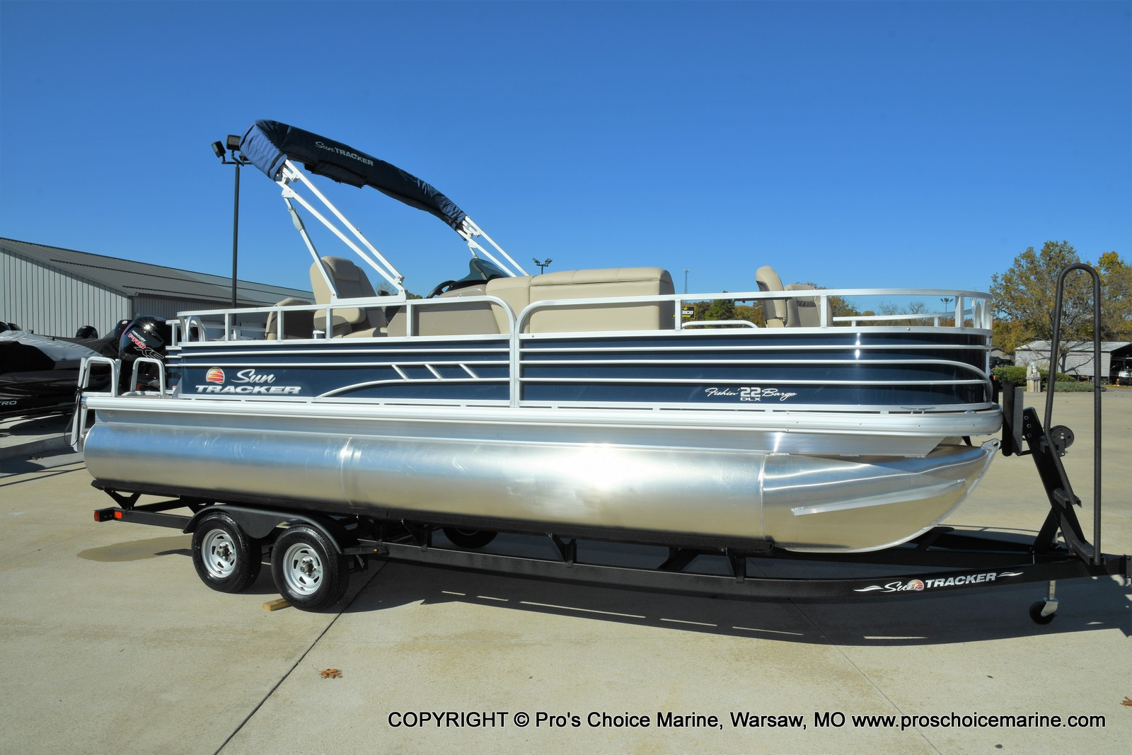 2021 Sun Tracker boat for sale, model of the boat is FISHIN BARGE 22 DLX & Image # 1 of 50