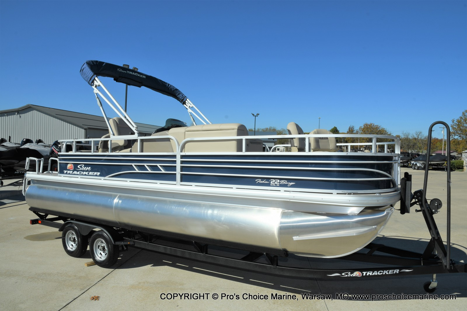 2021 Sun Tracker boat for sale, model of the boat is FISHIN BARGE 22 DLX & Image # 12 of 50
