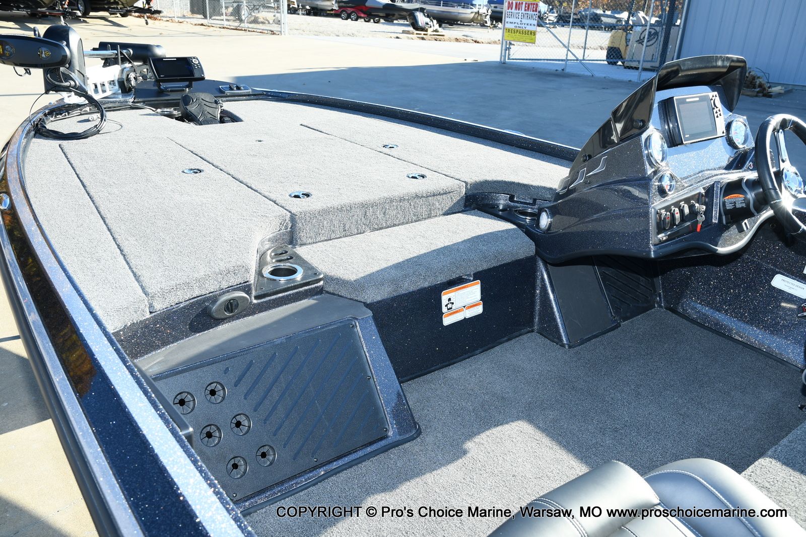 2021 Nitro boat for sale, model of the boat is Z18 Pro Pack w/175HP Pro-XS & Image # 39 of 50
