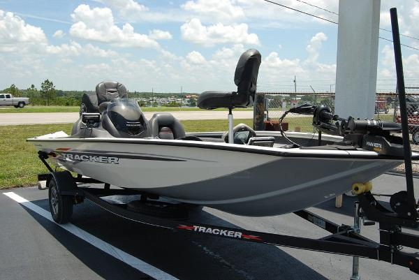 2021 Tracker Boats boat for sale, model of the boat is PT175 & Image # 3 of 11
