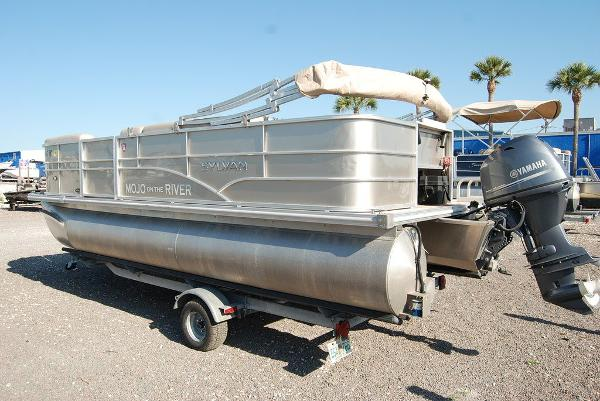 2016 Sylvan boat for sale, model of the boat is Mirage 8520 & Image # 3 of 11