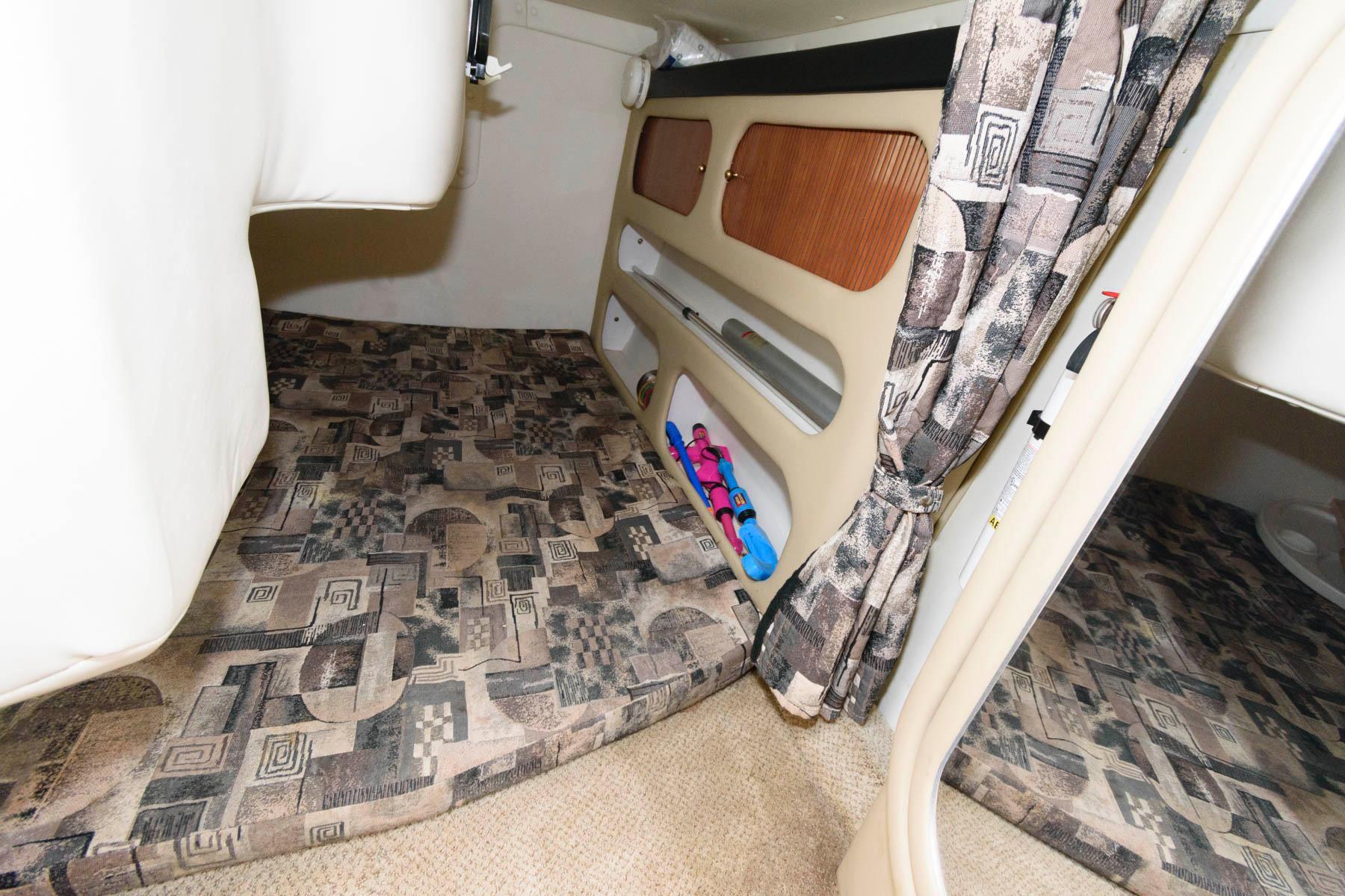 M 6152 WT Knot 10 Yacht Sales
