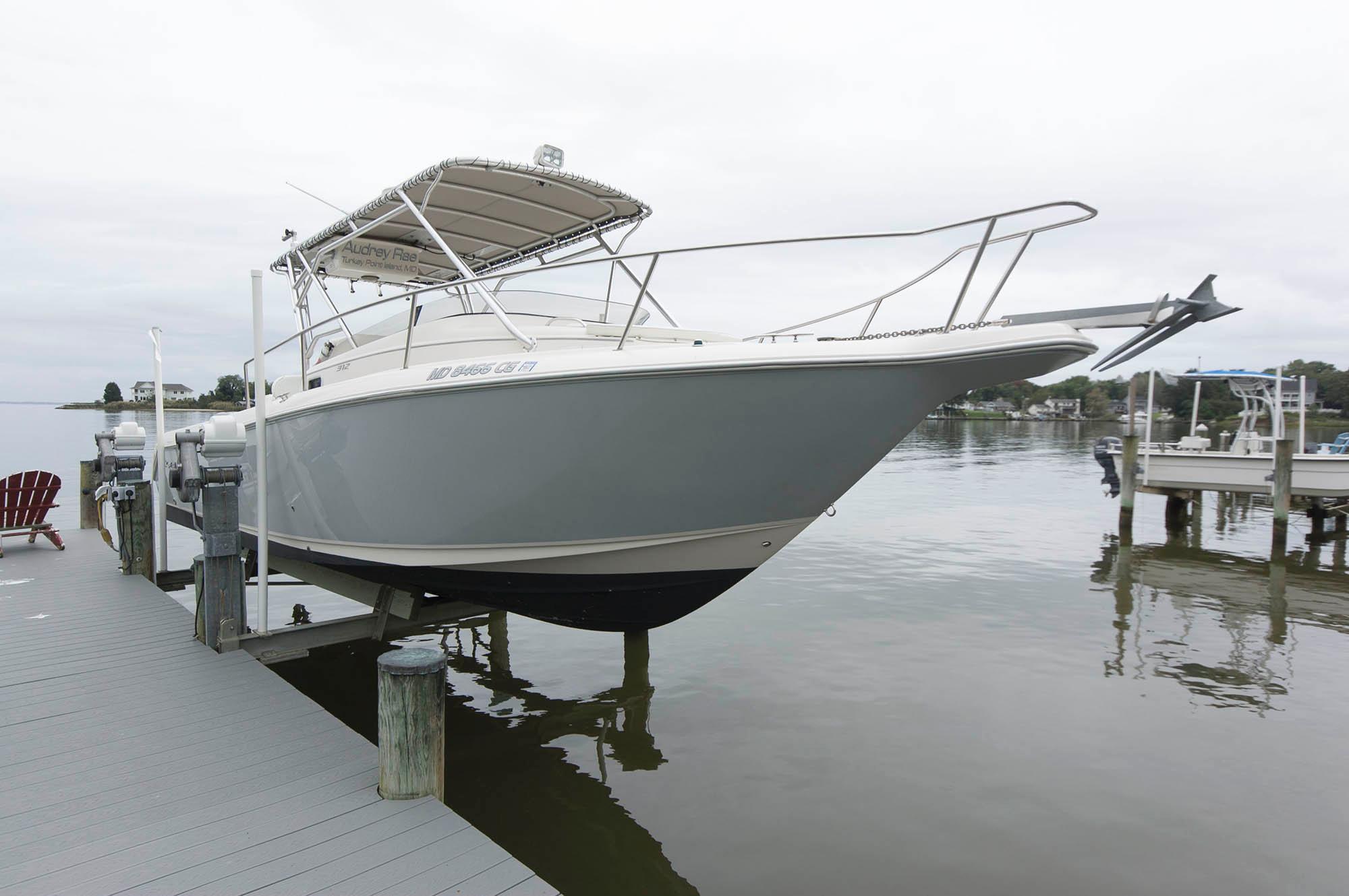 M 5708 VR Knot 10 Yacht Sales